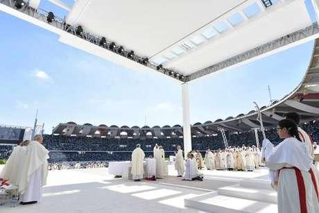 Papa encerra viagem histórica aos Emirados Árabes Unidos
