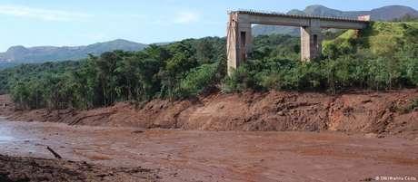 Trecho do rio Paraopeba atingido por rejeitos após rompimento e barragem em Brumadinho