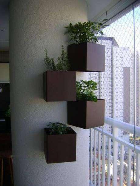 9. Você pode fazer composições diferenciadas para a sua horta vertical