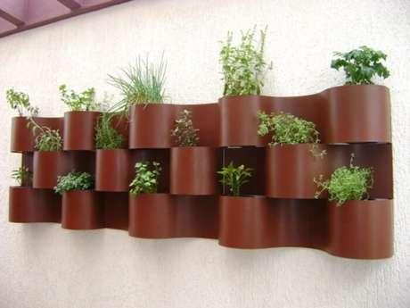 40. Horta vertical em estrutura específica. Foto de 9houz