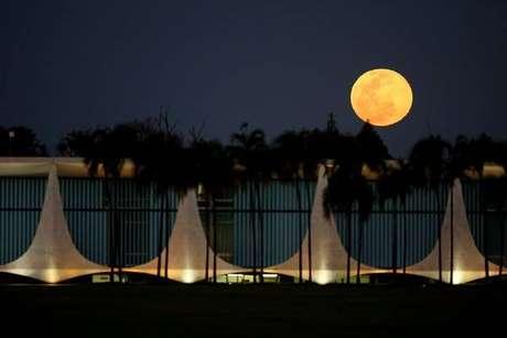 Maior 'Superlua' de 2019 iluminará céu neste mês