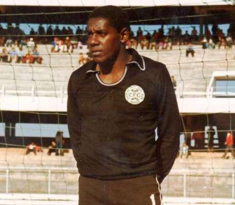 Jairo é o jogador que mais vezes vestiu a camisa do Coritiba (foto:Divulgação)