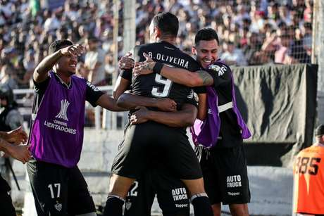 Apesar do bom funcionamento do ataque, que comemorou os dois gols de Ricardo Oliveira, o Galo falhou muito no sistema defensivo- Bruno Cantini / Atlético
