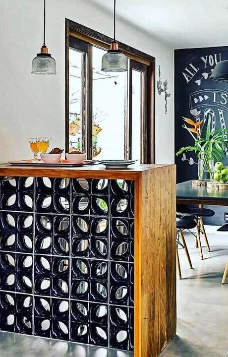 10. Decoração para cozinha com cobogó como base para balcão – Foto: Viviana Reis Design de Interiores