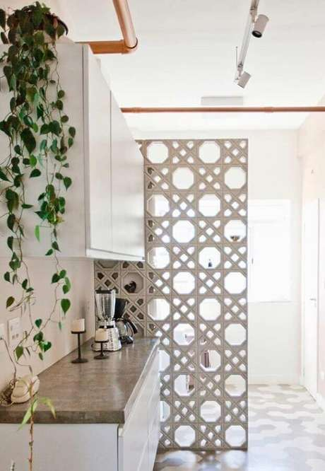 25. Além de prático o cobogó também ajuda na decoração dos ambientes – Foto: Neu dekoration stile