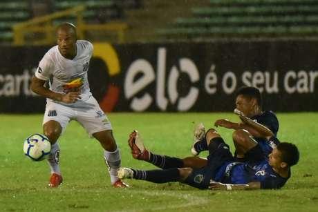 Santos saiu atrás no placar mas se recuperou