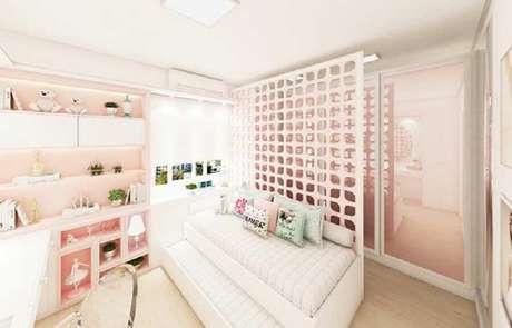 11. Decoração com cobogó cerâmico para quarto feminino todo cor de rosa – Foto: Pinosy