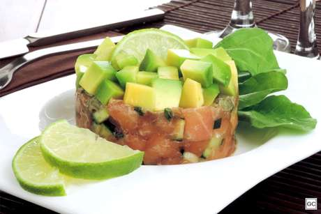 Tartar de salmão com avocado