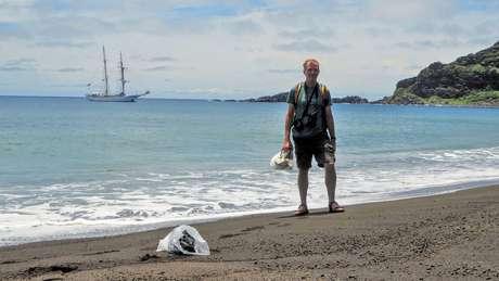 """""""Me surpreendeu o quão valioso foi estar pessoalmente na ilha. Quando você está lá, vê claramente o que acontece com o terreno"""", disse Dan Slayback, pesquisador da Nasa."""