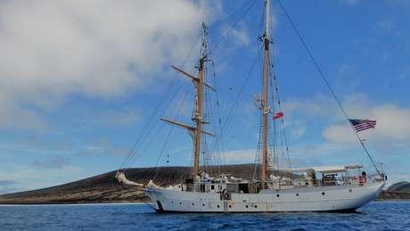 A expedição visitou a ilha em navio da Sea Education Association, um programa de exploração oceânica para estudantes universitários