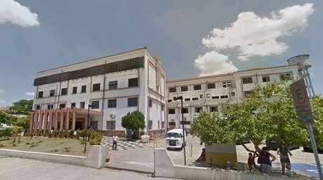 Menina foi internada no Conjunto Hospitalar de Sorocaba após cair do quarto andar de prédio