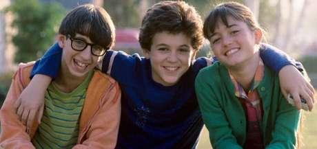 Os atores Josh Saviano, Fred Savage e Danica McKellar na série 'Anos Incríveis'.