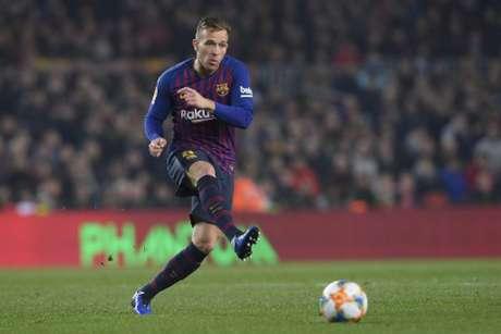 b0aba8660a Barcelona confirma e Arthur desfalca a equipe de três a quatro semanas