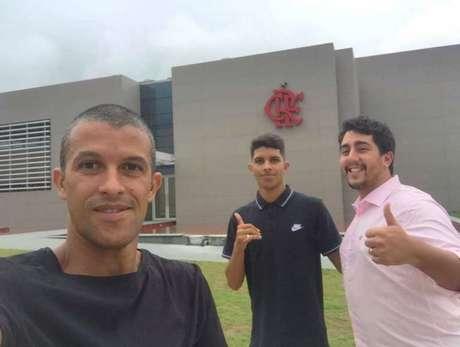 Felipe Cardoso, no centro, chegou ao Flamengo há poucos dias (Arquivo pessoal)