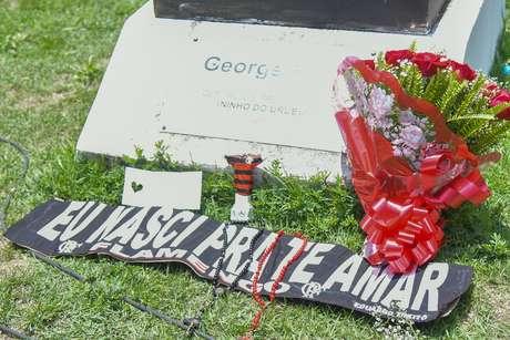 Homenagem no Centro de Treinamento do Flamengo às vítimas de incêndio que deixou 10 mortos