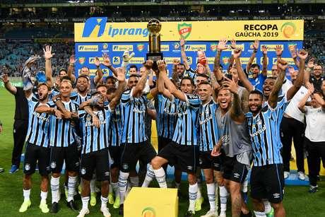 Grêmio conquistou a Recopa após golear o Avenida