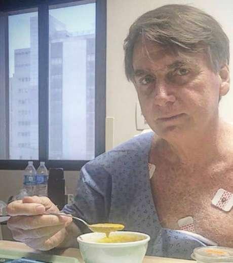 O presidente Jair Bolsonaro está internado desde 27 de janeiro, data da véspera da cirurgia para reconstrução do trânsito intestinal