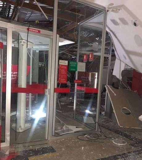 Três agências foram atacadas com explosivos pela quadrilha, em São Bento do Sapucaí (SP)