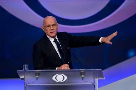 Ricardo Boechat apresentava os debates da Bandeirantes em época de eleição