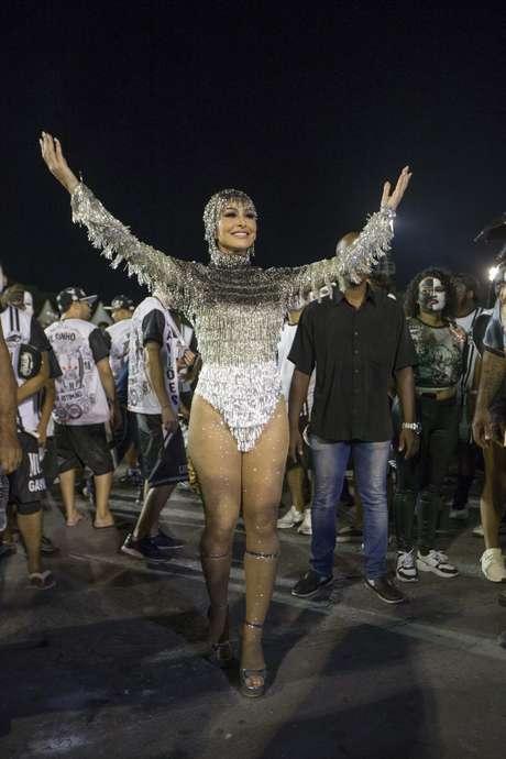 Sabrina Sato, rainha de bateria da escola de samba Gaviões da Fiel durante ensaio técnico para o Carnaval 2019, no Sambódromo do Anhembi em São Paulo (SP), neste sábado (09).