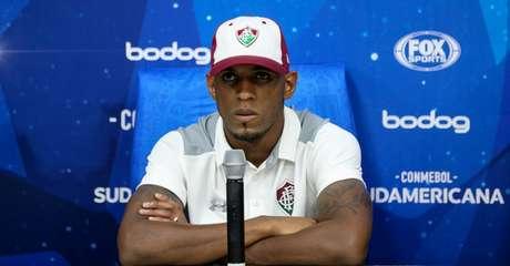 Digão concedeu entrevista nesta segunda-feira (Foto: LUCAS MERÇON / FLUMINENSE F.C.)