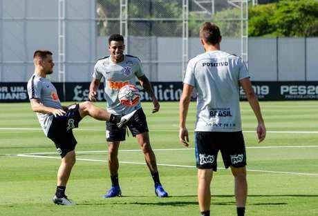 Jogadores do Corinthians em treino no CT (Foto: Gero Rodrigues/Ofotografico/Lancepress!)