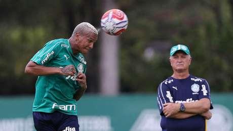 Deyverson pegou pena mínima por cuspe e Felipão escapou de gancho nesta segunda (Agência Palmeiras/Divulgação)