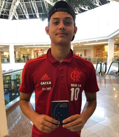 Cauan Emanuel recebeu alta após incêndio no CT do Flamengo