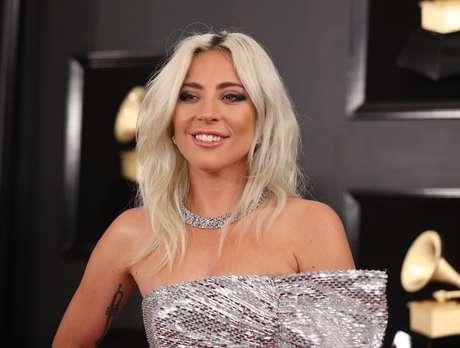 Lady Gaga não usou seu anel de noivado na cerimônia do Grammy