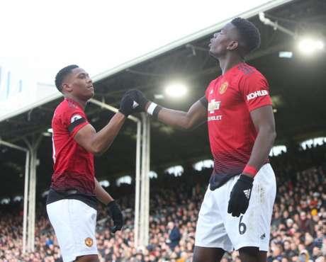 Pogba, à direita, é o destaque do United (Foto: Reprodução/Twitter)