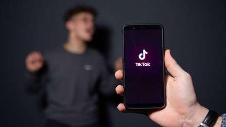 O TikTok atingiu 100 milhões de usuários em apenas um ano, com um bilhão de visualizações diárias