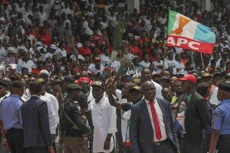 Confusão em comício de presidente nigeriano mata ao menos 14