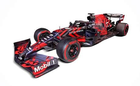 Red Bull apresenta novo RB15 'roxo, preto e vermelho' para os testes em Barcelona