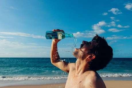 Beber água antes das refeições emagrece? Descubra!
