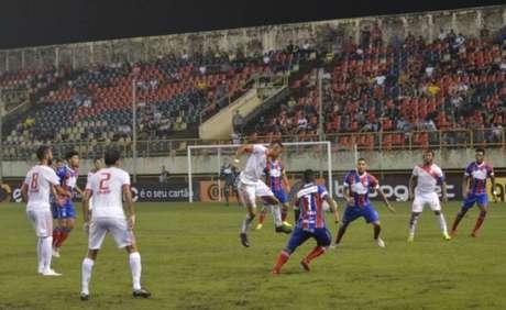 Bahia e Rio Branco-AC empataram em 1 a 1.
