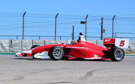Mesmo prejudicado por quebra, Lucas Kohl valoriza aprendizado em pré-temporada da Indy Lights