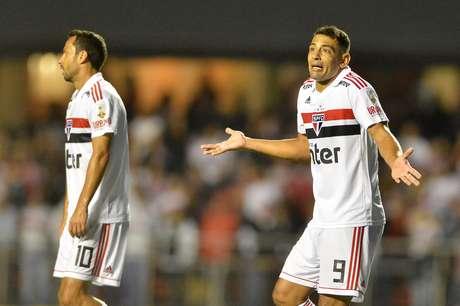 Diego Souza, do São Paulo, na partida contra o Talleres, da Argentina, válida pelo jogo de volta da segunda fase preliminar da Copa Libertadores 2019, realizada no Estádio do Morumbi, na capital paulista, na noite desta quarta-feira (13).