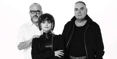 O fotógrafo Bob Wolfenson, Letícia Colin e o estilista Reinaldo Loureço: fashion motogirl