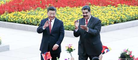 Presidente chinês, Xi Jinping, com presidente venezuelano, Nicolás Maduro