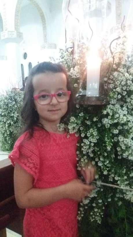 Laura, 10 anos, portadora de picnodisostose; um aglomerado de pessoas com a condição foi descoberto no Ceará