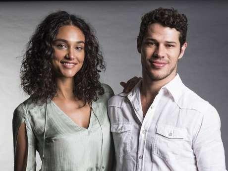 Débora Nascimento e José Loreto terminaram casamento após quase 4 anos, segundo o colunista Leo Dias, do jornal 'O Dia', neste sábado, 16 de fevereiro de 2019