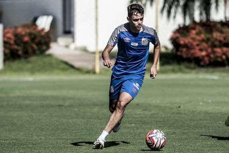 Matheus Ribeiro espera novas oportunidades no Santos nesta temporada (Foto: Ivan Storti/Santos)
