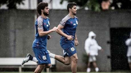 Daniel Guedes jogaria no Goiás por empréstimo de um ano (Foto: Ivan Storti/Santos)