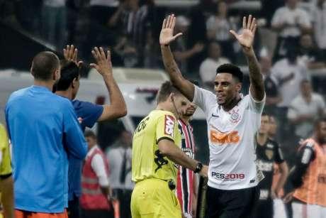 Gustavo marca gol durante jogo entre Corinthians x Sao Paulo, partida valida pelo Campeonato Paulista 2019, na Arena Corinthians, zona leste da cidade de Sao Paulo, neste domingo (17/02).