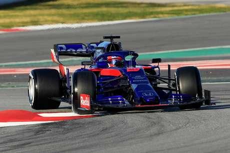 """Daniil Kvyat elogia começo em """"alto nível"""" da Toro Rosso nos testes da pré-temporada da F1"""