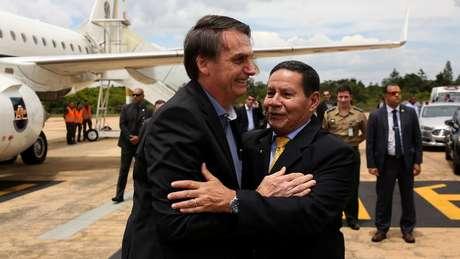 Professor afirma que que o fato de Bolsonaro ter compartilhado publicamente a crítica do filho a Bebianno pode causar insegurança inclusive em outros integrantes do governo