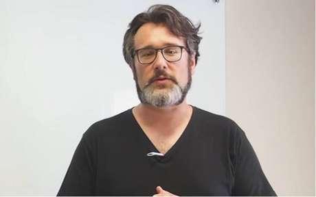 Especialista alerta para os problemas dos gigantes de tec na educação