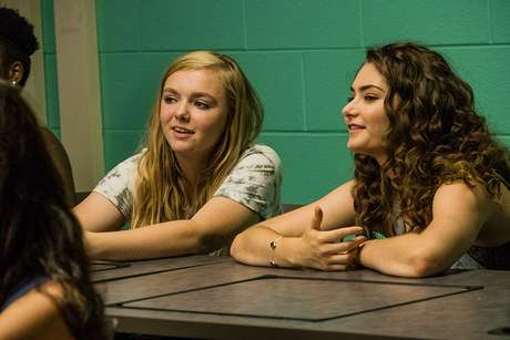 Emily Robinson e Elsie Fisher em 'Eighth Grade' (2018)