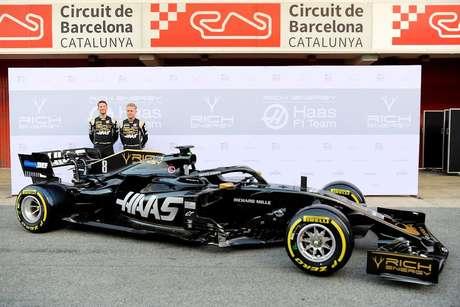 VÍDEO: Haas VF-19 e Alfa Romeo C38 são apresentados antes dos testes em Barcelona