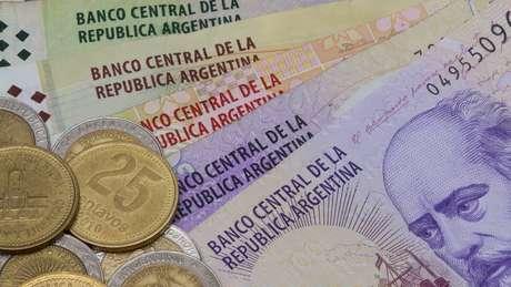 Aumento nos juros é tentiva de conter desvalorização do peso argentino